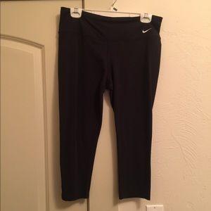 Nike Dri-Fit Capri-Length Leggings
